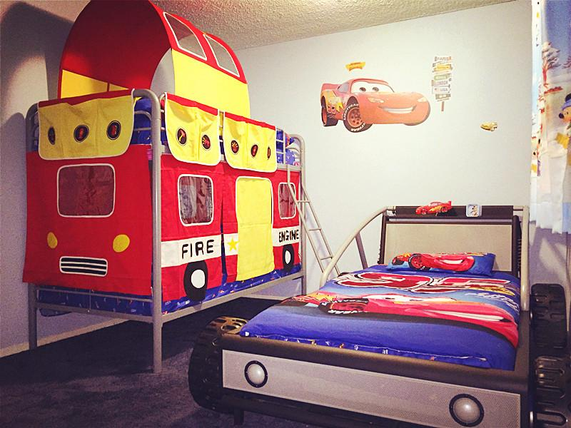Lightening McQueen bed and bunk bed - Unique,Disney & Fairy Tale Theme,Luxury&Romantic - Anaheim - rentals