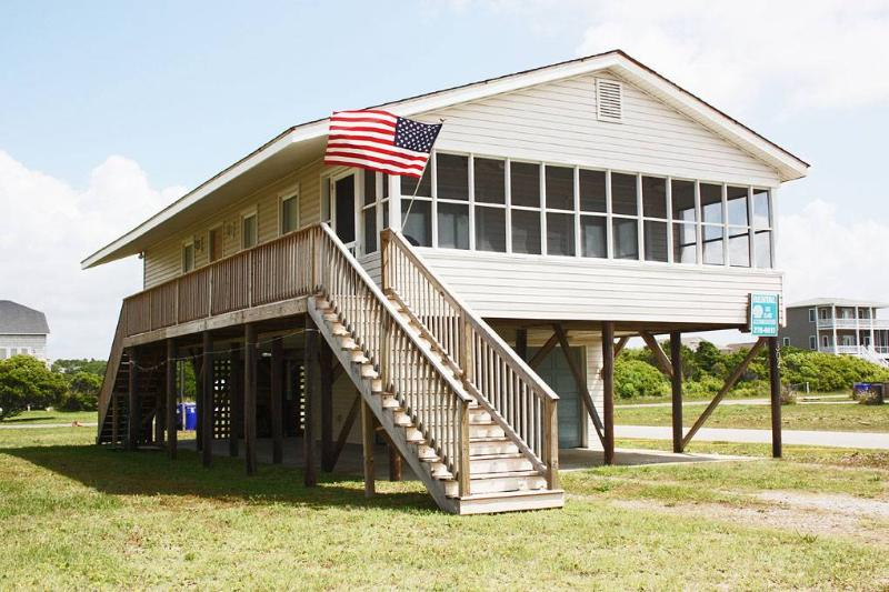 A Beach Music Paradise 1302 West Beach Drive - Image 1 - Oak Island - rentals