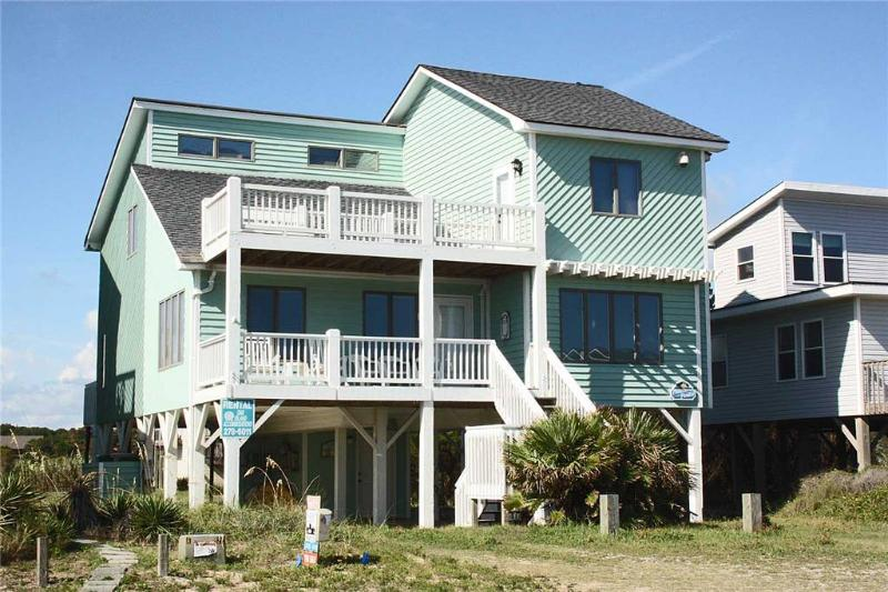 Pirates in Paradise 320 East Beach Drive - Image 1 - Oak Island - rentals