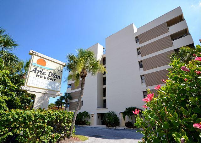 Arie Dam 402 - Nicely renovated Gulf Front condo with Balcony, Pool & Spa! - Image 1 - Madeira Beach - rentals