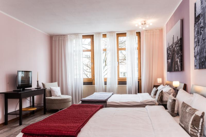 Westpark Apartment (2 Bedrooms-2 bathrooms)Munich - Image 1 - Munich - rentals