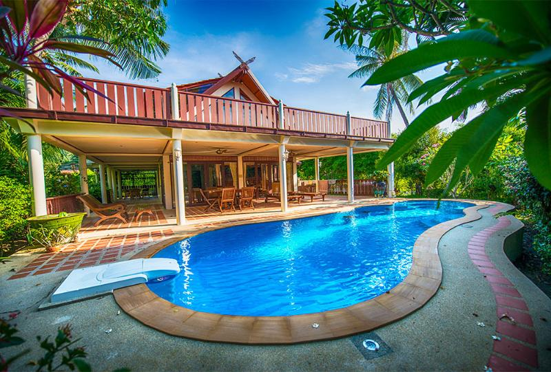 Luxurious Villa with private pool at Ban Po beach - Image 1 - Koh Samui - rentals