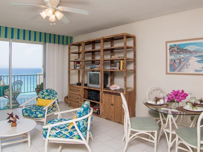 Spacious Condo with Beautiful Sea View - Spacious condo steps to Doctor's Cave Beach! - Montego Bay - rentals