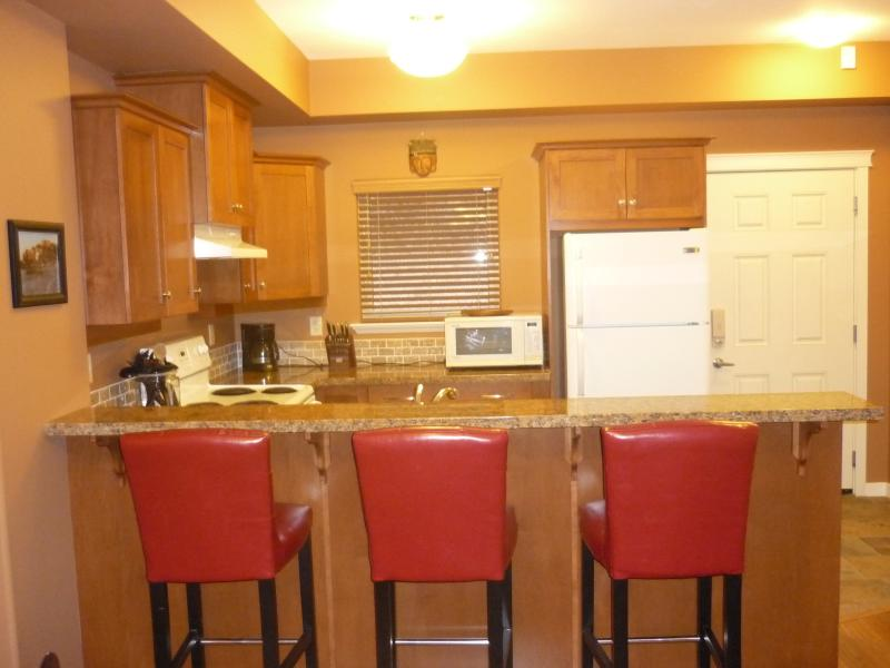 JULY 4 -11 VACATIONERS WELCOME TO OSOYOOS DEALS... - Image 1 - Osoyoos - rentals