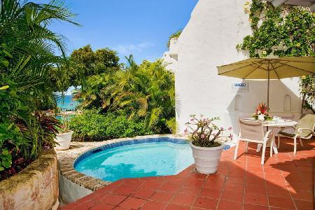 Ocean View at Merlin Bay - split-level villa with plunge pool & steps to secluded beach - Image 1 - The Garden - rentals