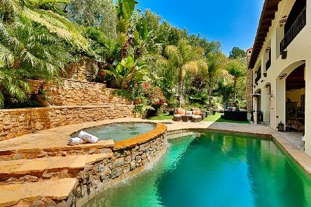 Beverly Hills Luxury with private back yard & sparkling pool and spa - Image 1 - West Hollywood - rentals