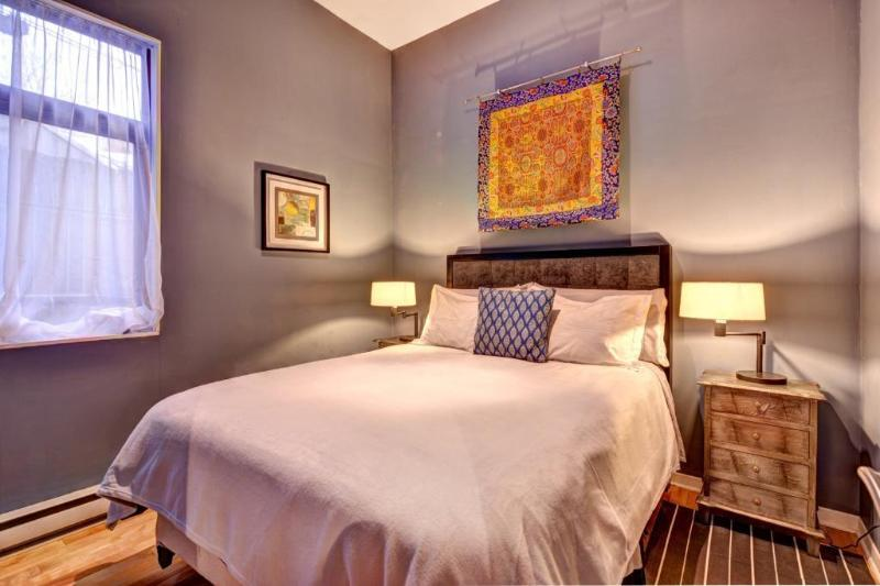 PRIME LOCATION! 1 bedroom Hotel Chic Style apt. - Image 1 - Montreal - rentals
