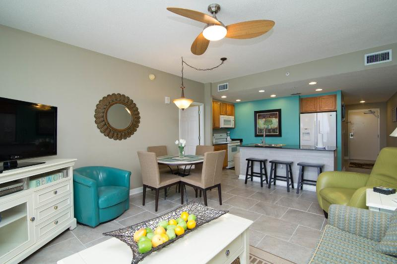 Living Room - Sterling Reef - Spectacular Views of the beach - Panama City Beach - rentals