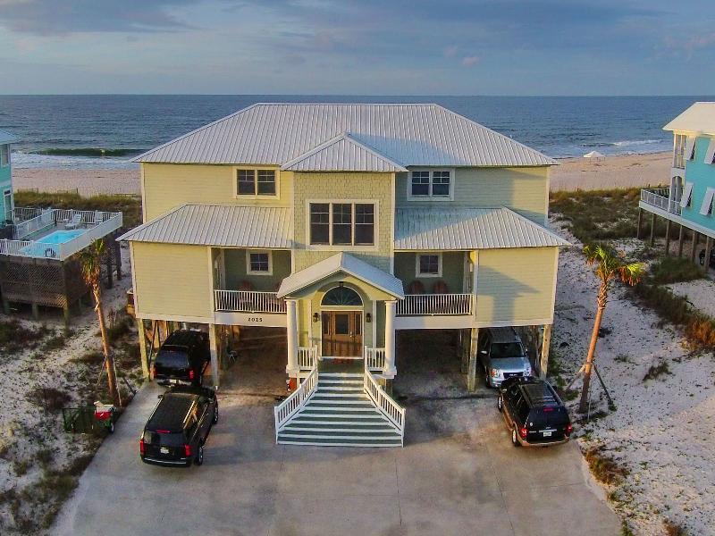 """Crews Quarters"" Luxury Gulf Front Home w/pvt pool - Image 1 - Gulf Shores - rentals"