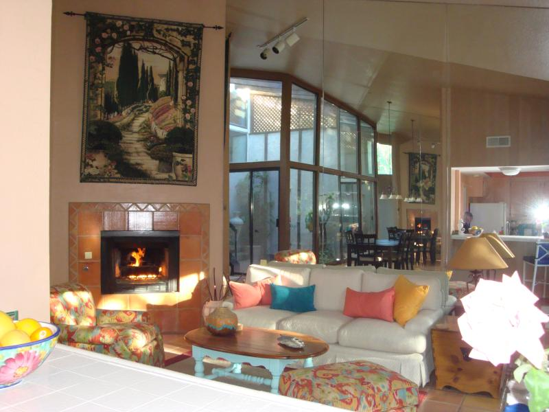 Soaring 15' vaulted ceilings, every room in this condo is vaulted - BEST CENTRAL LOCATION - STILL AVAIL. FOR 2016 - Palm Desert - rentals