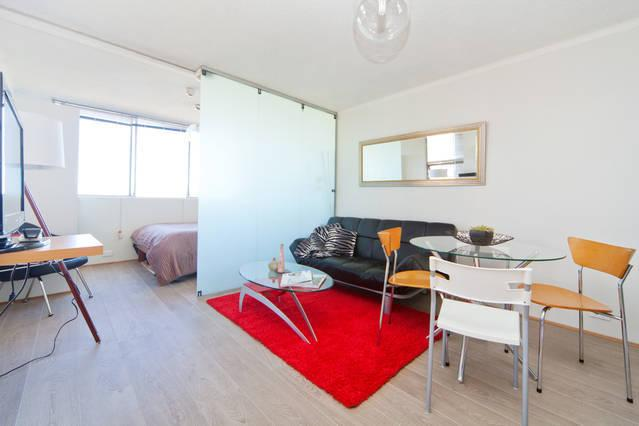 Large Studio Metres To Oxford St+Hyde Park Sleeps4 - Image 1 - Sydney - rentals