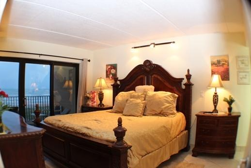 OCEANFRONT KING THERAPUTIC MEMORY FORM BED - SEABREEZE404 OCEANFRoNT Jun 9 $999+fees FREEWIFI - Port Isabel - rentals