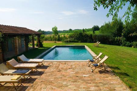 Charming Villa Maramai offers alfresco dining, swimming pool and housekeeping - Image 1 - Montepulciano - rentals