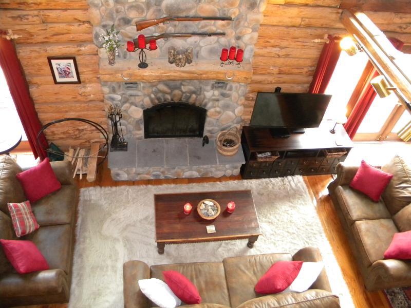 Main Lodge Great Room - Rose & Goat Retreat- Mountain Top Lodge - North Adams - rentals