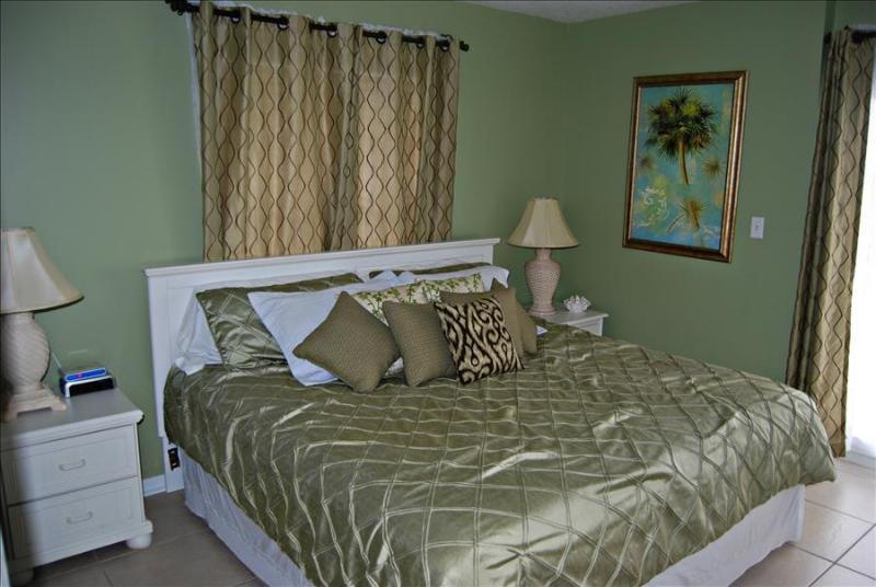 Surfside Shores 2201 -289690 Awesome Gulf Front 3 Bedroom! Can't Beat Price and Location - Image 1 - Gulf Shores - rentals