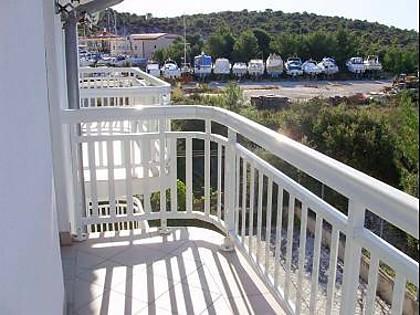 A5 prvi kat (2+2): terrace - 2211 A5 prvi kat (2+2) - Rogoznica - Rogoznica - rentals