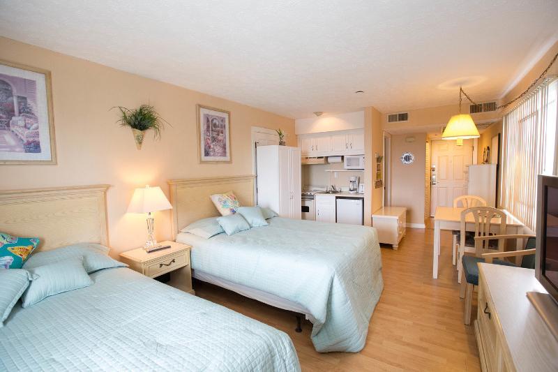 The Master Bedroom - Oceanview  Bluewater Resort Villa - Myrtle Beach - rentals