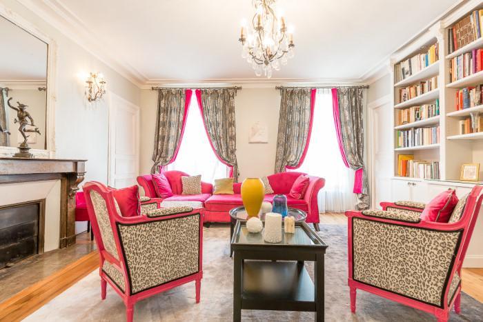 Le Magenta - Spacious 3 Bedroom near the Canal - Image 1 - Paris - rentals
