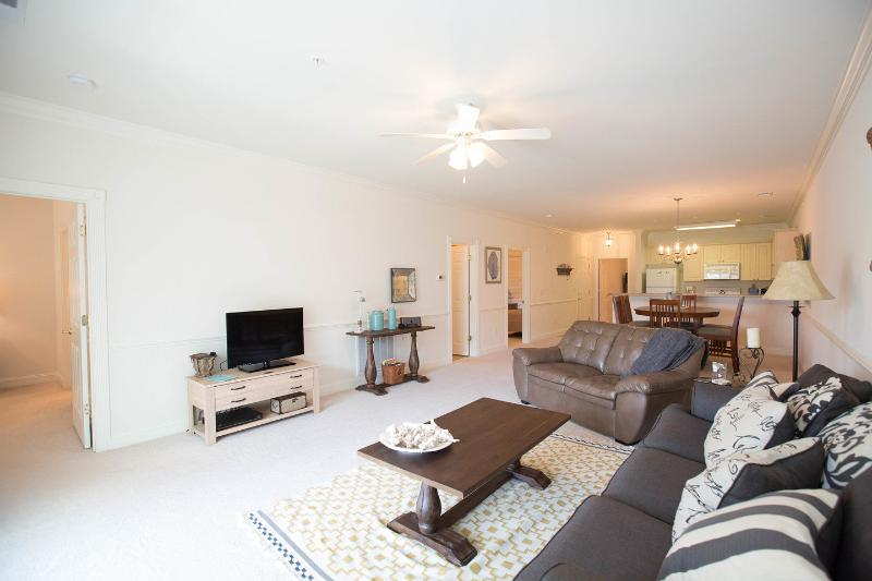 Living Room - Superb Pet-Friendly Vacation Rental by Walking Tra - Myrtle Beach - rentals