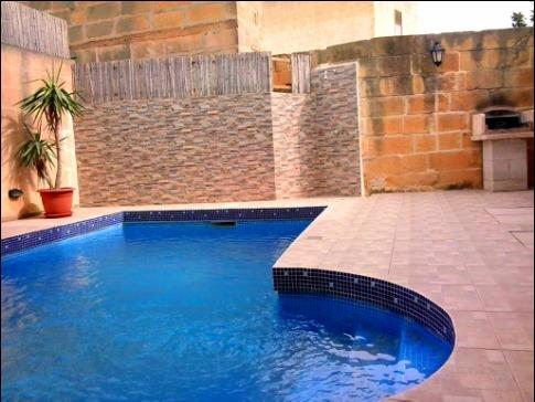 pool area - 6 Bedroom maisonettes with Pool - Xaghra - rentals