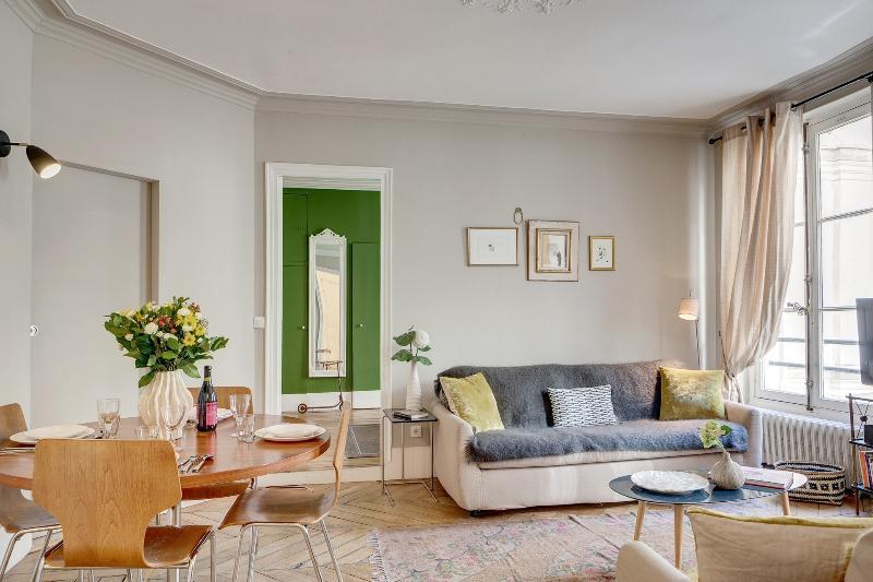 Apartment Bertin vacation holiday apartment rental france, paris, 1st arrondissement, vacation holiday large apartment to rent to let fra - Image 1 - 1st Arrondissement Louvre - rentals