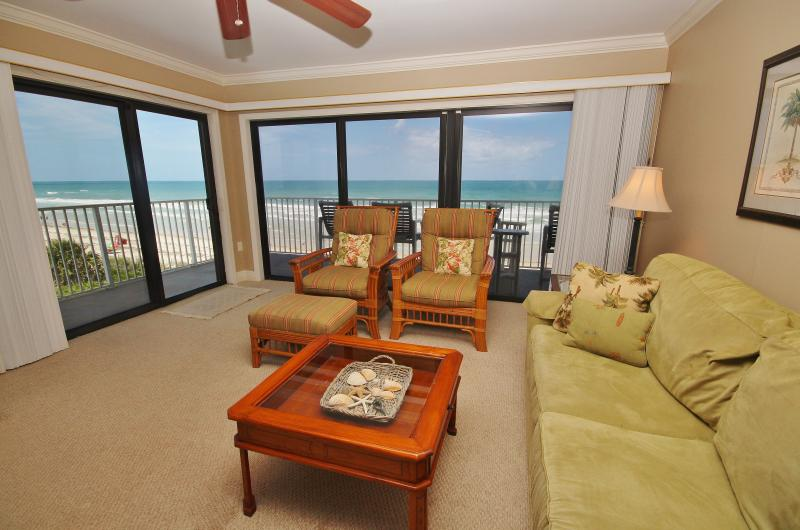 Living Room - Beach Sun at Shorehom Non Driving - New Smyrna Beach - rentals