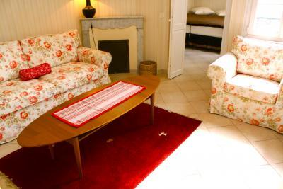 Constantine, 3 Bedroom French Riviera Vacation Apartment - Image 1 - Cannes - rentals