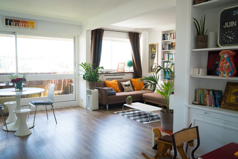 Living Room - FAMILY APARTMENT WITH AMAZING VIEWS OF PARIS - Paris - rentals