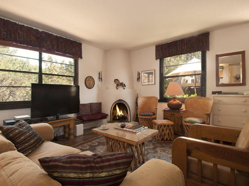 Living Room - North Hill Hideaway - Santa Fe - rentals