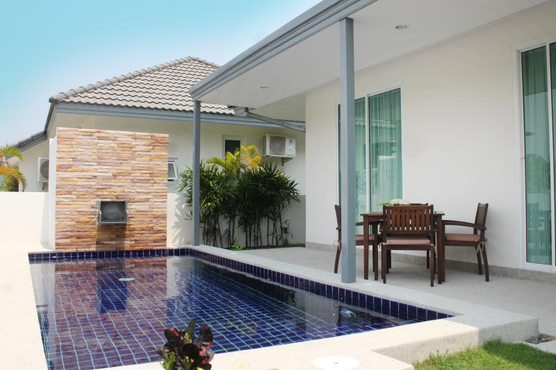Modern 2BR Pool Villa, Beach Close! - Image 1 - Hua Hin - rentals