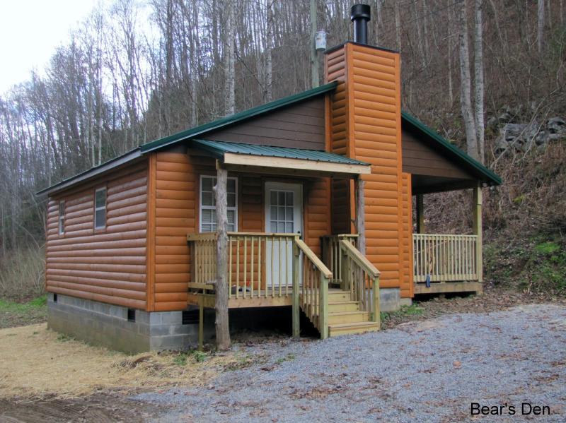 Bear's Den Exterior - Bear's Den - Townsend - rentals