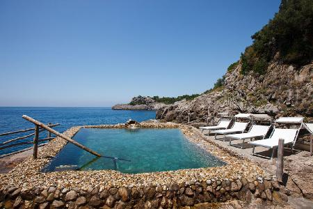 Villa Aretusa Seaside Escape with Rooftop Terrace & Unforgettable Sea Water Pool - Image 1 - Massa Lubrense - rentals