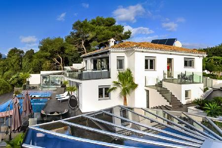 Villa Mirage - Art Deco style villa with magnificent views, short walk to the beach  & infinity pool - Image 1 - Malaga - rentals