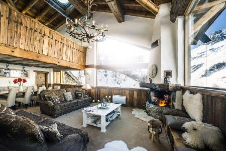 Chalet Kilimanjaro- exquisite Val d'Isere view,  Ski-in/Ski out- Jetted tub & staff - Image 1 - Val-d'Isère - rentals