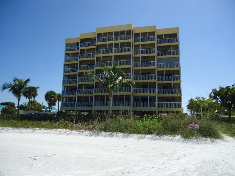 Building - Vacation Villas - Fort Myers Beach - rentals