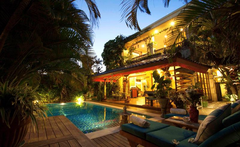 Main Villa at Night - 4 bedroom villa Kaja Seminyak - Seminyak - rentals