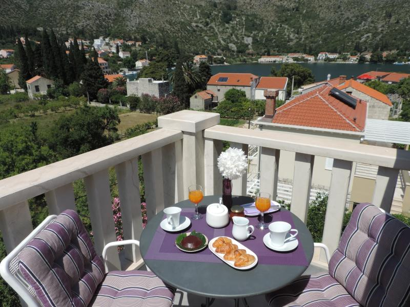 Balcony - Great Apartment in Perfect Location near Dubrovnik - Dubrovnik - rentals