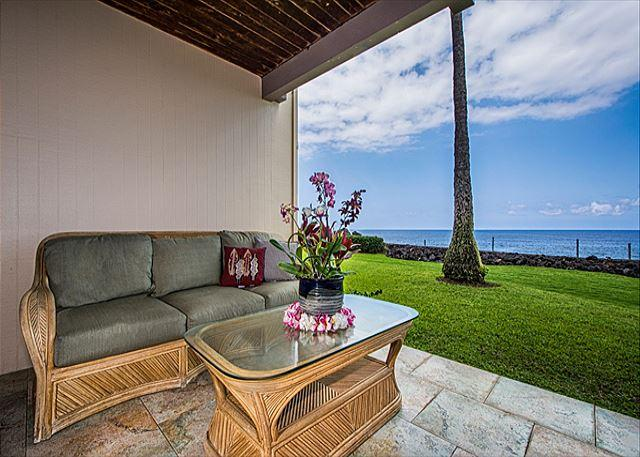 Groundfloor Oceanfront Unit - Image 1 - Kailua-Kona - rentals