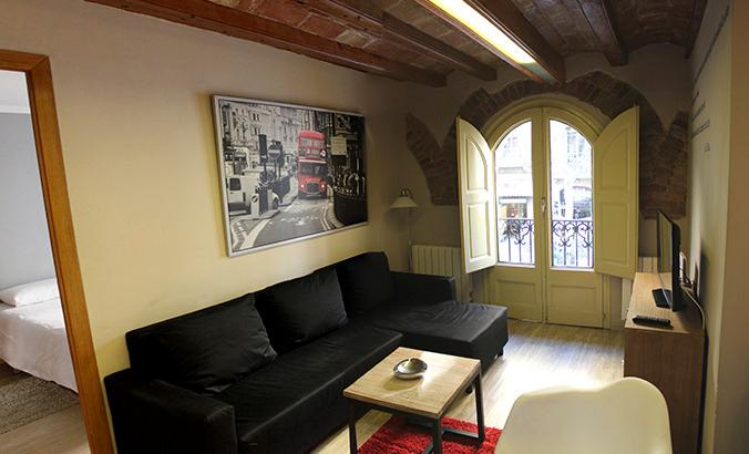 EIXAMPLE UNIVERSITAT COSY: comfortable 4BR - Image 1 - Barcelona - rentals
