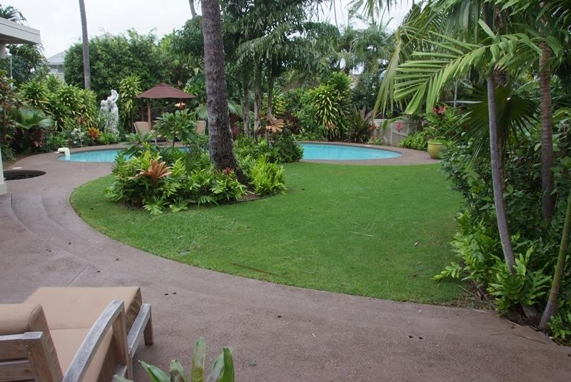 Large Yard with Pool & Spa - Kahala Hale, 4BR, Pool Spa, A/C, Across from Beac - Honolulu - rentals