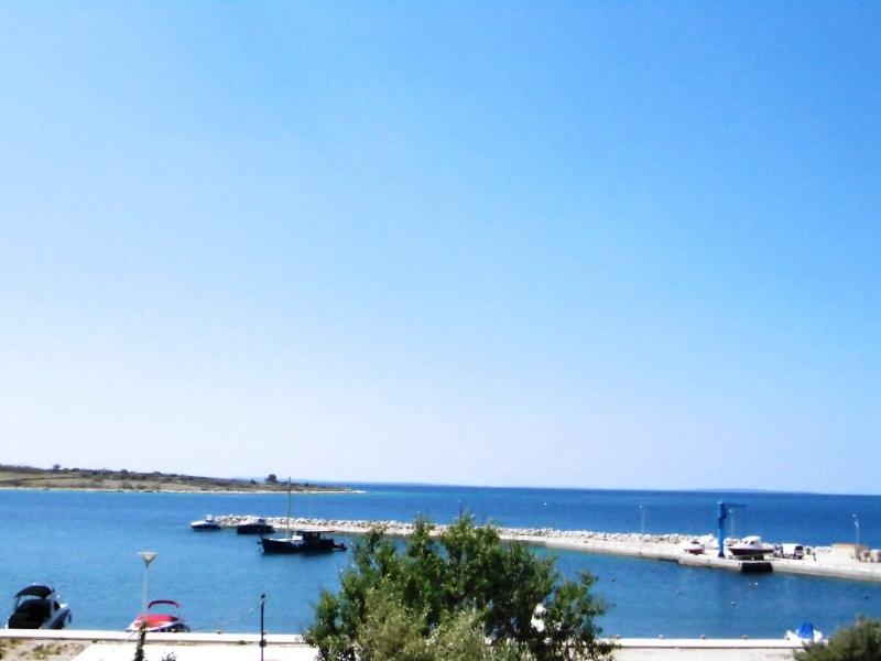 Lovely Apartment Miky 3  (5 pax - seaside) in Novalja - Image 1 - Novalja - rentals