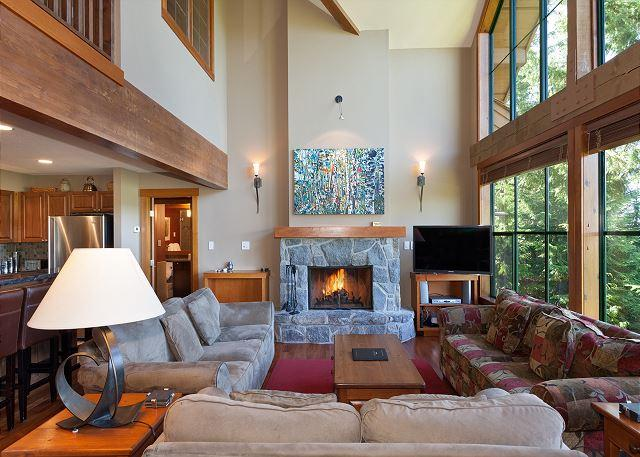 Spacious Living Area with Fireplace and Flat Screen TV - Northern Lights #15 | Luxury 4 Bedroom + Den, Ski Access, Private Hot Tub - Whistler - rentals