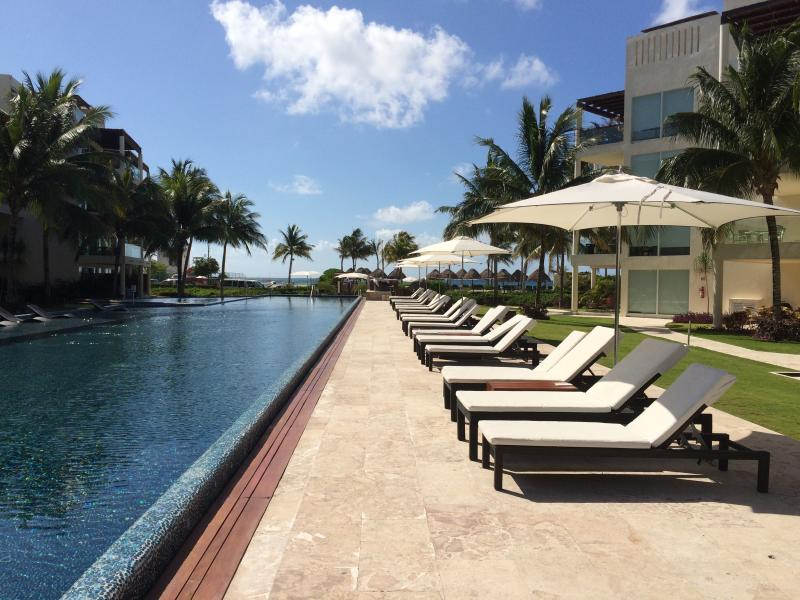 The Elements PH10, with Private Beach Club - Image 1 - Playa del Carmen - rentals