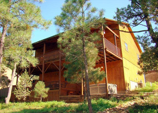 Upper Canyon Lodge is a amazing 4 bedroom cabin located in the Upper Canyon. - Image 1 - Ruidoso - rentals