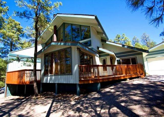 Alto Chalet is a peaceful home located at the front of Alto with a great hot - Image 1 - Alto - rentals