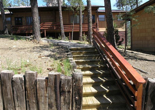 Fox Hollow Condo #08 is centrally located in the White Mountain area. - Image 1 - Ruidoso - rentals