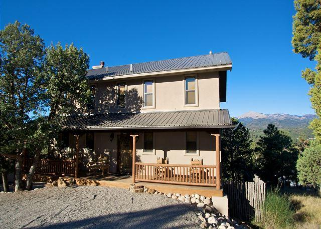Casa Wildwood has beautiful décor, great views, and hot tub. - Image 1 - Ruidoso - rentals