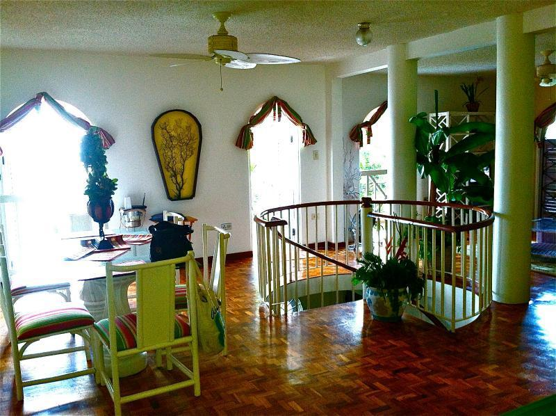 1st ClassVilla best location,  From $79/night - Image 1 - Woodston - rentals