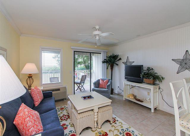 Living Area - 120 Ocean Dunes-Oceanfront, Renovated & Cute. 20% OFF all Summer Rentals - Hilton Head - rentals