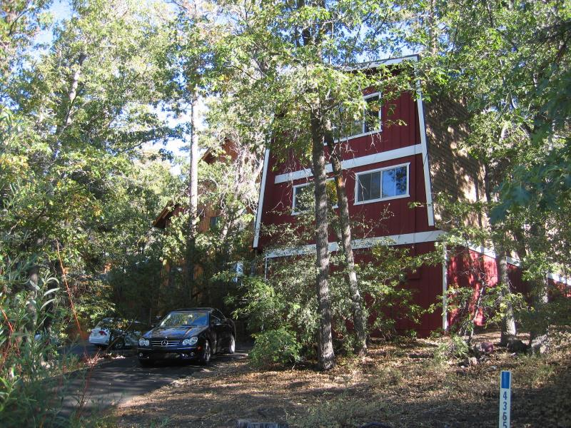 Bear Chalet is beautiful all year long - Thanksgiving in the mountains. It's magical - Big Bear Lake - rentals